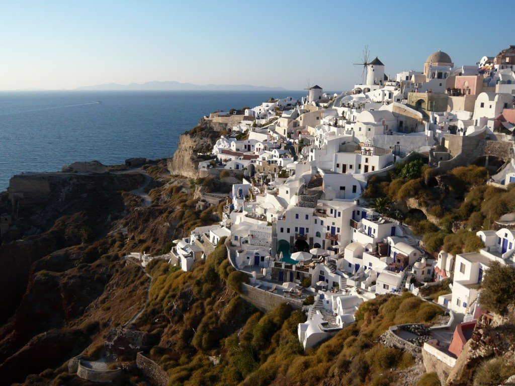 Santorini - A spectacular walk from Fira to Oia in the ...