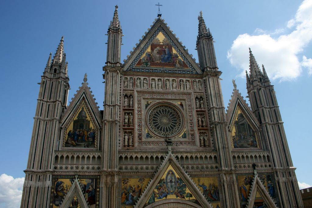 Italy: Wandering through Orvieto in Umbria