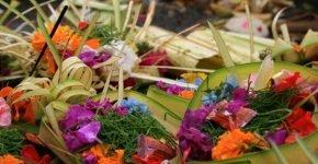 Wandering among Bali's beautiful religious decorations