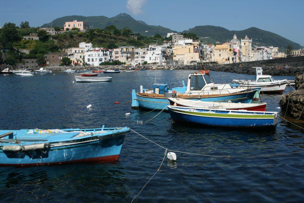 Destination italy the island of ischia - Bagno italia ischia ...