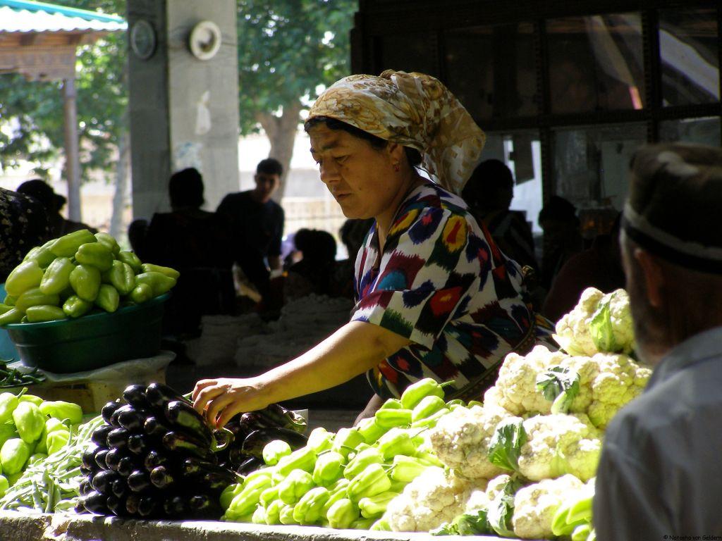 Samarkand main bazaar, Uzbekistan, Central Asia