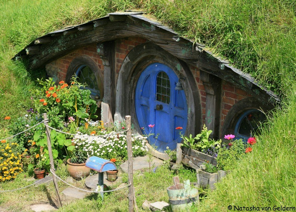 Hobbit hole, Hobbiton film set, New Zealand