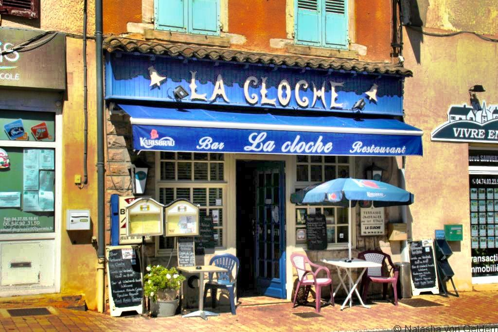 la-cloche-restaurant-le-perreon-beaujolais-wine-region-france