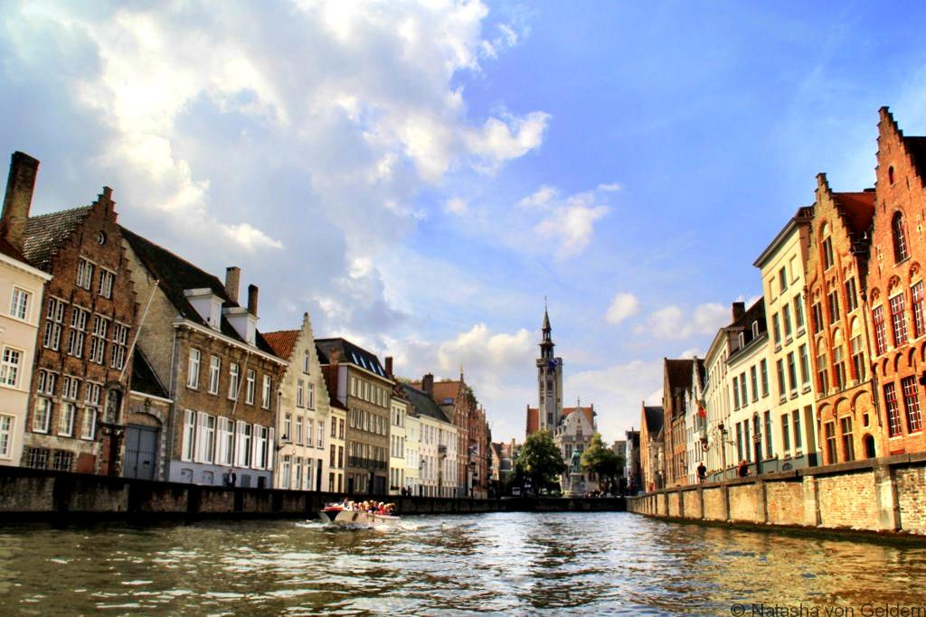 bruges-canal-boat-cruise-belgium