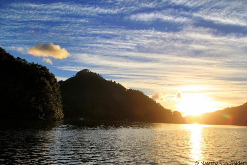 Marlborough Sounds sunrise New Zealand web